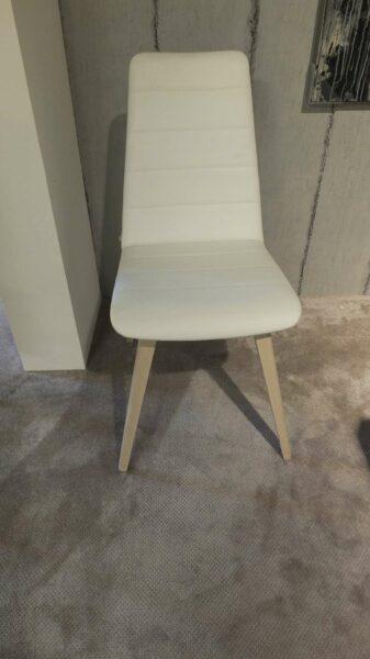 Willisau 4 Stühle Modell BABILA