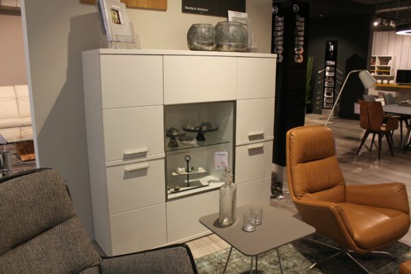 "Die Hausmarke ""Manhattan"" Highboard"