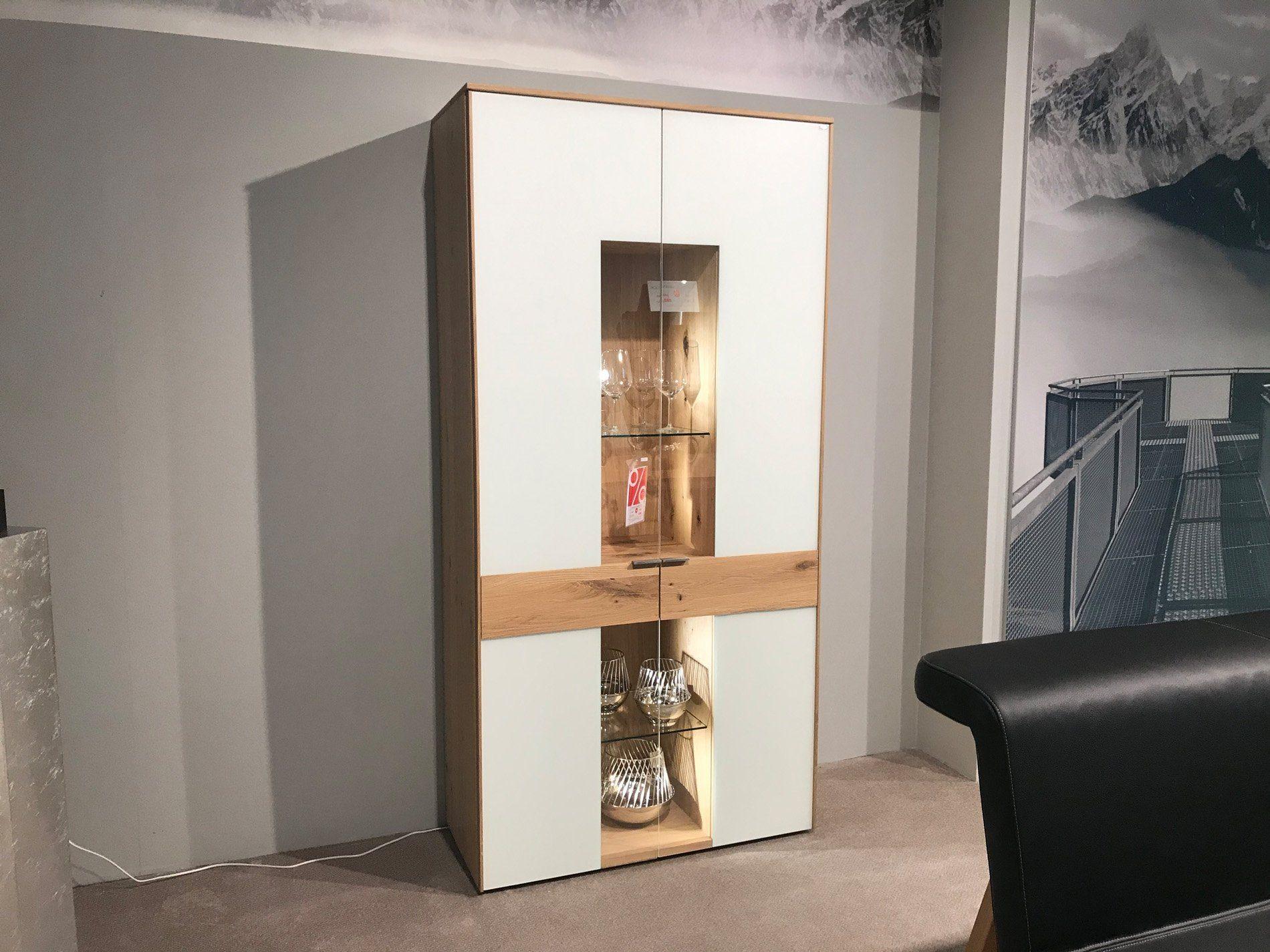 voglauer v solid vitrine. Black Bedroom Furniture Sets. Home Design Ideas