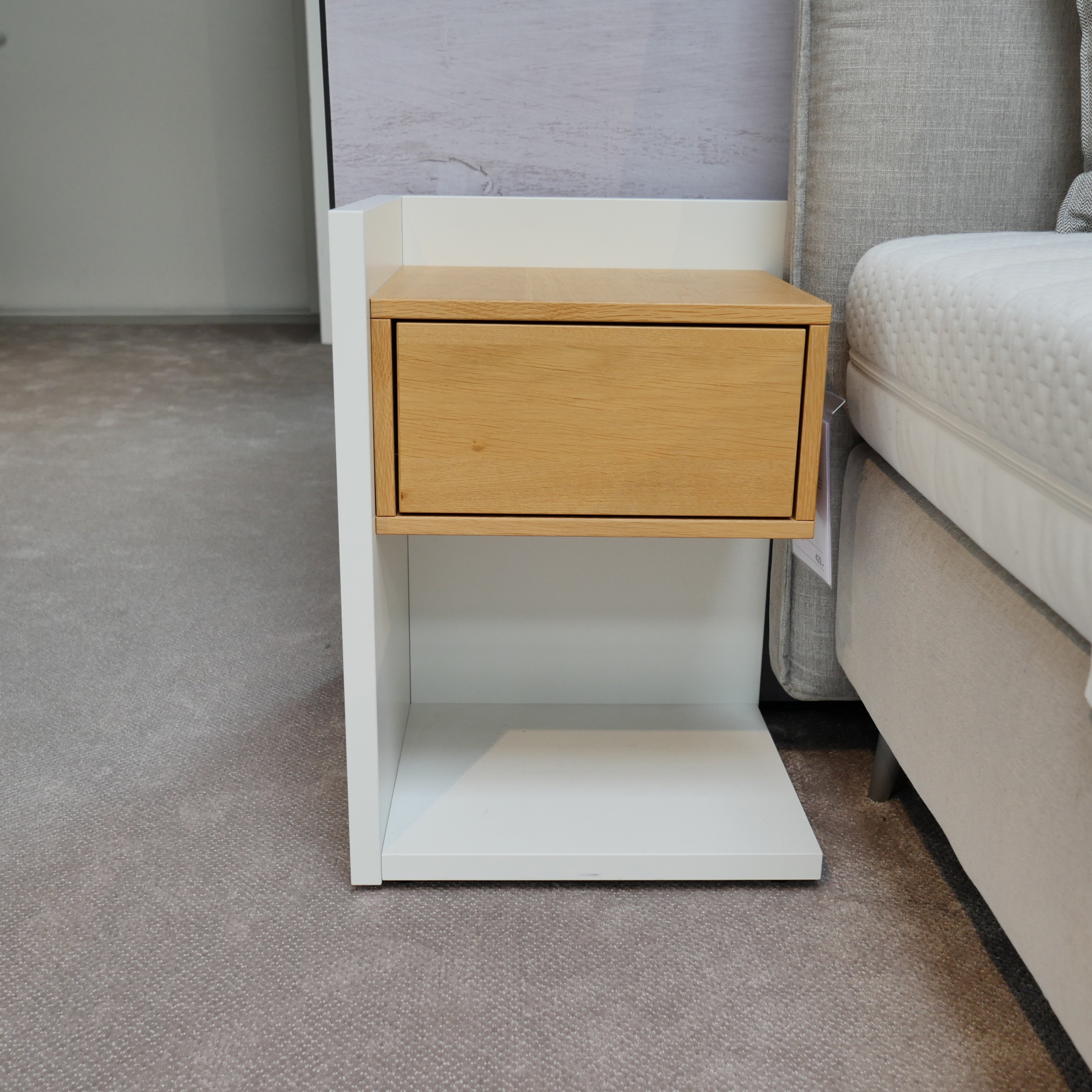 The Pinterest Proven Formula For The Ultimate Cozy Bedroom: Ruf Nachttisch Corner