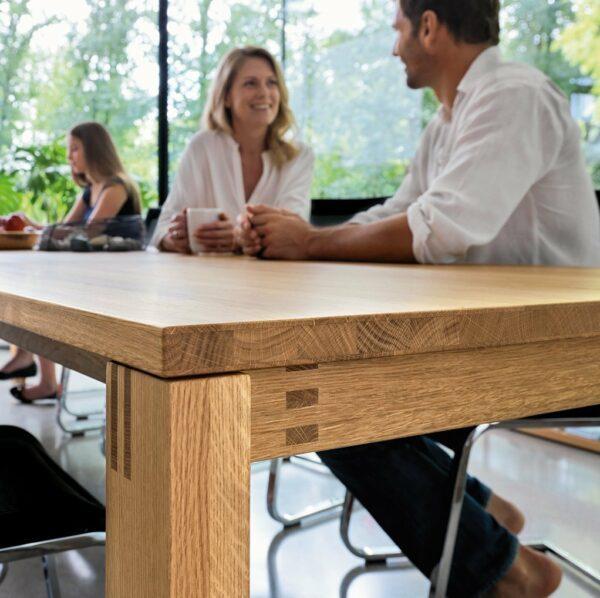 """Team 7 """"magnum"""" Auszugstisch in Eiche Natur geölt - Gestell in der gleichen Holzart wie die Tischplatte"""