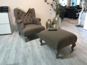"""Rom"" Sessel mit Hocker"