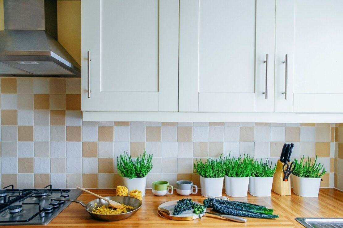 Schone Kuchenruckwande 4 Alternativen Zum Fliesenspiegel Wohnparc De