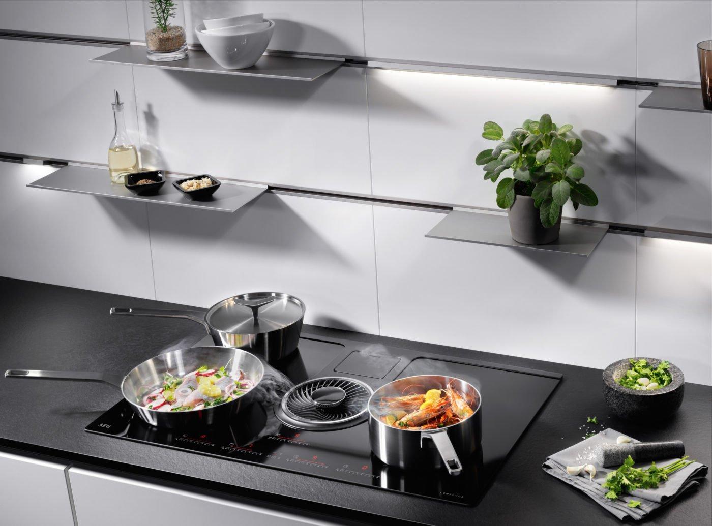 Dunstabzug von AEG Electrolux, der direkt in der Kochfläche integriert ist