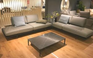 rolf benz ausstellungsst cke wegen umbau stark reduziert. Black Bedroom Furniture Sets. Home Design Ideas
