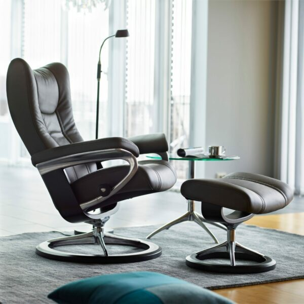 "Stressless ""Wing"" Sessel mit Hocker - Impressionsbild"