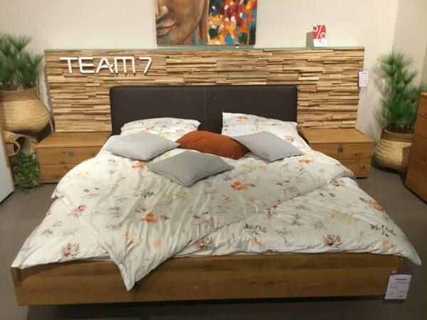 """Team 7 """"Nox"""" Bett mit zwei Nachttischen"""
