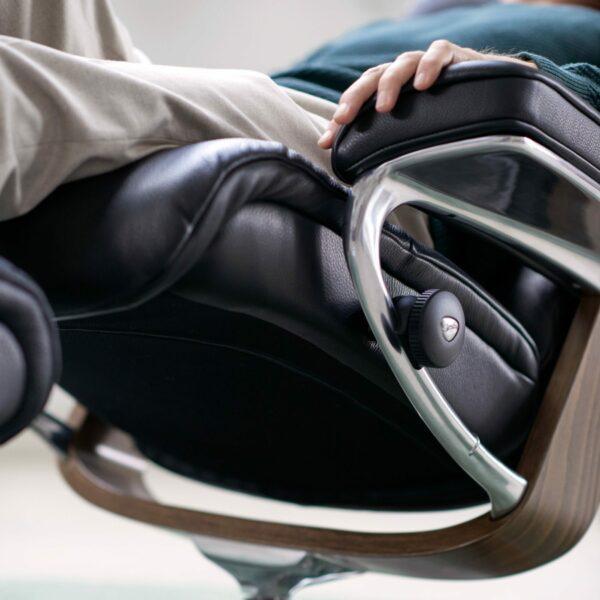 """Stressless """"View"""" Sessel mit Hocker - Impression seitlich"""