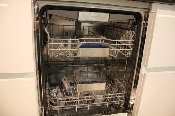 """Küchenblock """"BL501521"""" - Spülmaschine geöffnet"""