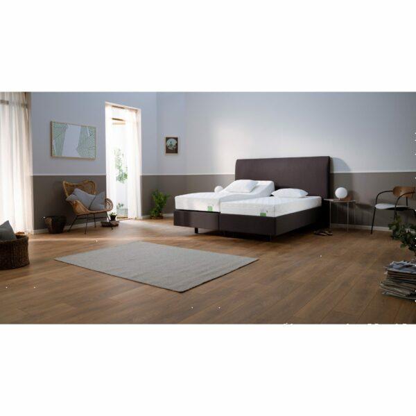 Matratze Tempur Hybrid im Schlafzimmerambiente