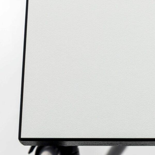 Trendstore Tine Tisch perlweiß Gestell schwarz - Detail Tischplatte