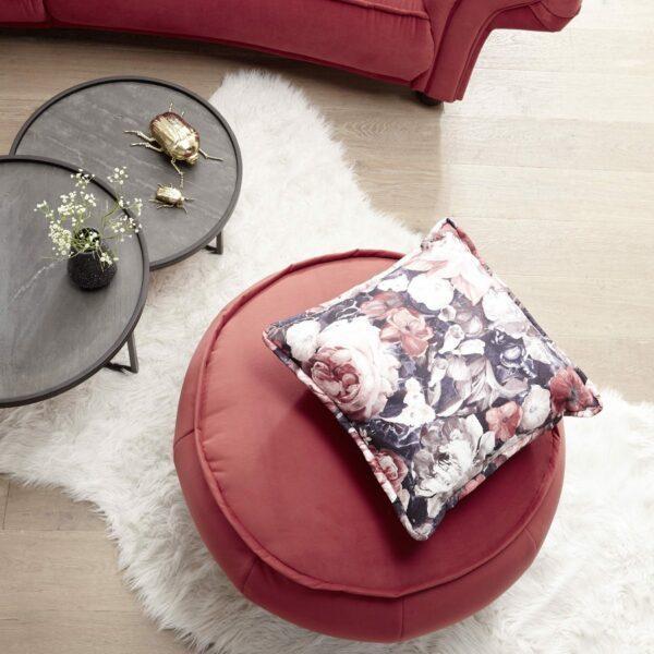 Trendstore Beistelltisch Gaara mit einer Tischplatte aus Mango massiv, braun gebeizt und lackiert mit Echtsteinfunier verkleidet - Wohnbeispiel