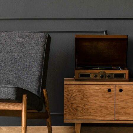 Einrichtungstipps: Holz trifft auf graue Eleganz
