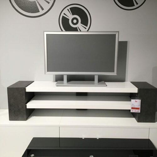 MCA furniture Maui TV-Media Element