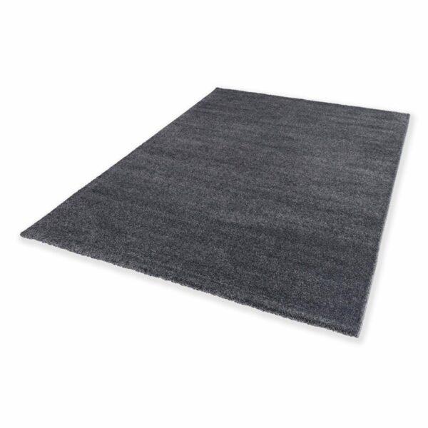 """Astra """"Pure"""" Teppich in der Farbe Anthrazit in liegender Ansicht."""