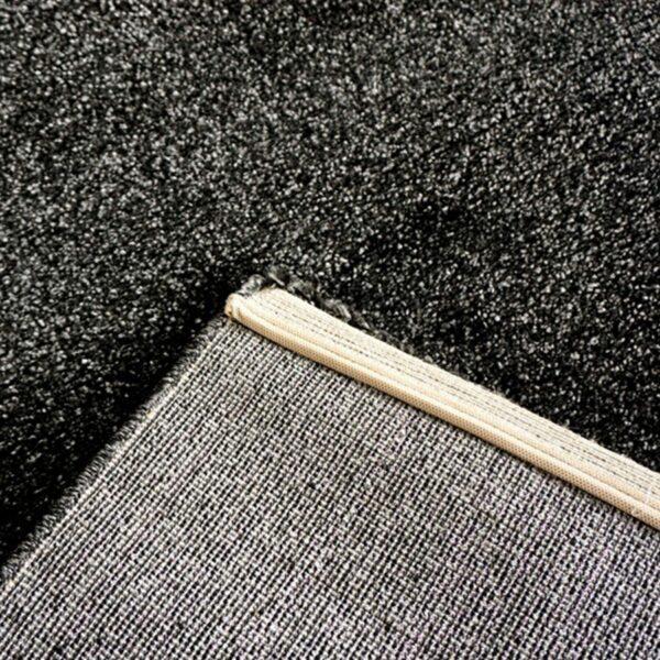 """Astra """"Samoa"""" Teppich in der Farbe Anthrazit in Detailansicht."""