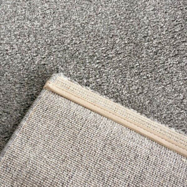 """Astra """"Samoa"""" Teppich in der Farbe Grau in Detailansicht."""