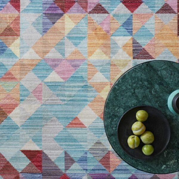Astra Shining Teppich – 140 x 200 cm – Wohnbeispiel