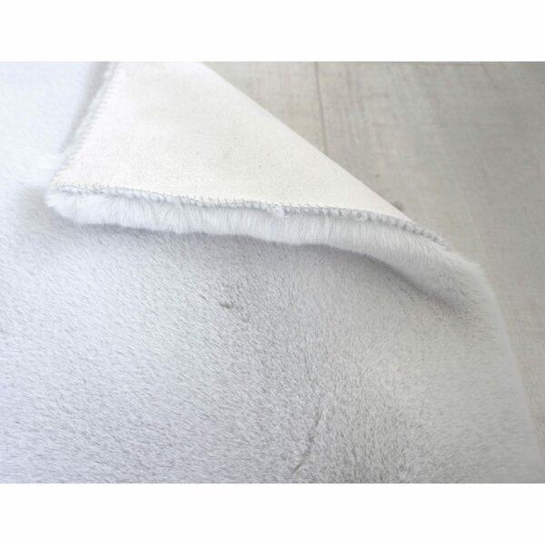 Astra Tender eckiger Fellteppich silber Detail