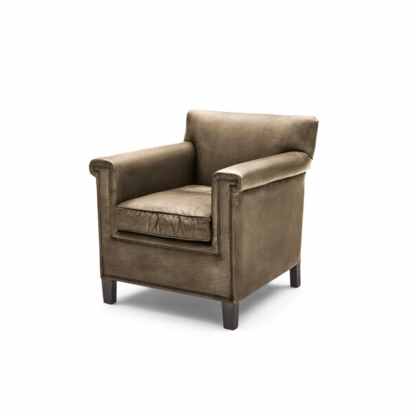 """WK Wohnen """"5002"""" Armlehnenstuhl mit Lederbezug Buffalo in der Farbe Lampre glänzend in seitlicher Ansicht."""