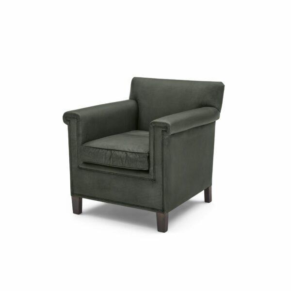"""WK Wohnen """"5002"""" Armlehnenstuhl mit Lederbezug Buffalo in der Farbe British Green matt in seitlicher Ansicht."""