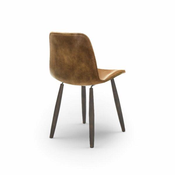 """WK Wohnen Edition """"7001"""" Esszimmerstuhl mit Bezug Leder Buffalo glänzend in der Farbe Light Brown in Rückansicht."""