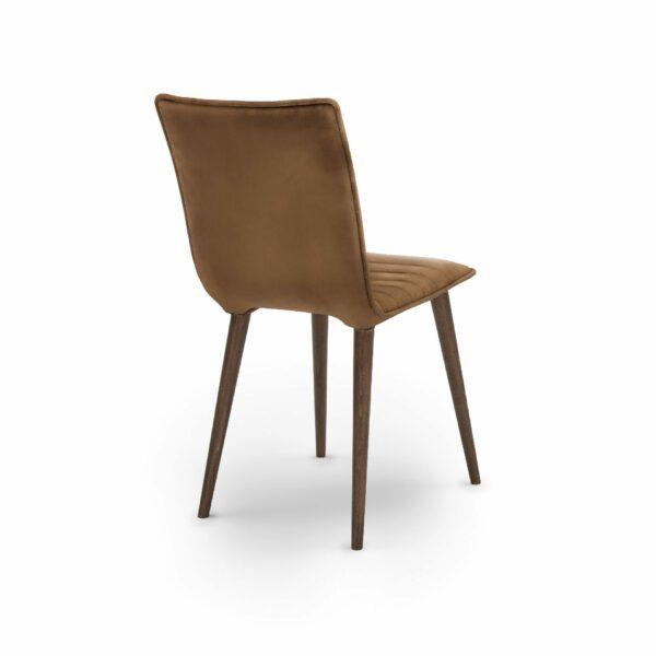 """WK Wohnen Edition """"7010"""" Esszimmerstuhl mit Bezug Leder Buffalo matt in der Farbe Light Brown in seitlicher Ansicht."""