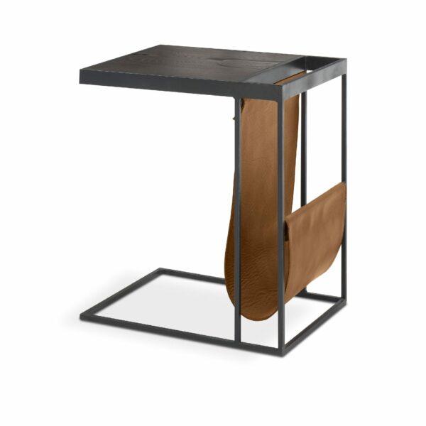 """WK Wohnen Edition """"9001"""" Beistelltisch mit Tischplatte Rustikal Oak Carbon und Lederbezug Light Brown matt in seitlicher Ansicht."""