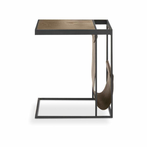 """WK Wohnen Edition """"9001"""" Beistelltisch mit Tischplatte Rustikal Oak Weathered und Lederbezug Lampre matt in frontaler Ansicht."""
