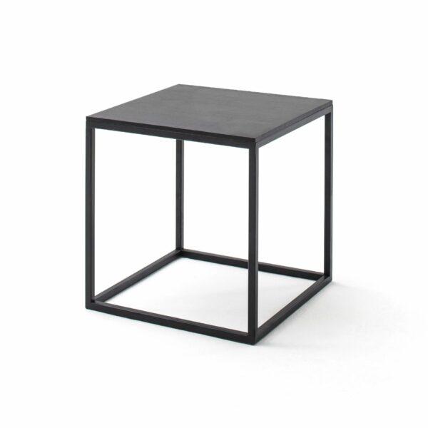 """Raum.Freunde """"Pino"""" Beistelltisch in schwarz mit Metall-Gestell pulverbeschichtet und Platte in massiv astiger Eiche Seitenansicht"""