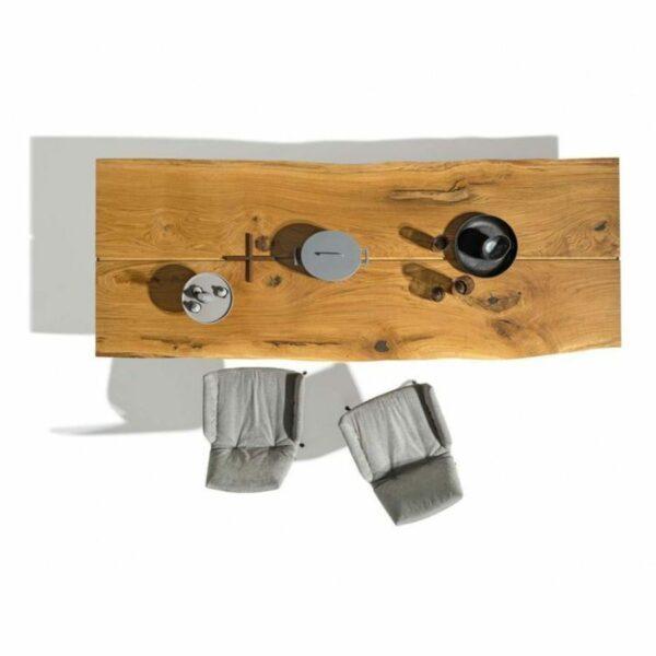 """Team 7 """"echt.zeit"""" Esstisch mit einer Tischplatte aus Massivholz in Eiche urig gebürstet und geölt sowie einem Metallwangengestell in Schwarz brüniert in der Ansicht von oben."""