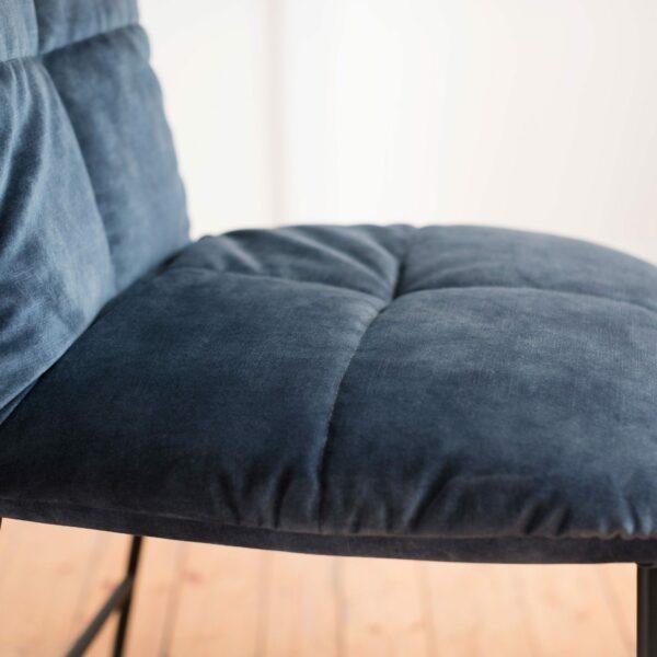 """Raum.Freunde """"Edvin"""" Stuhl ohne Armlehnen – Detail Sitzfläche"""