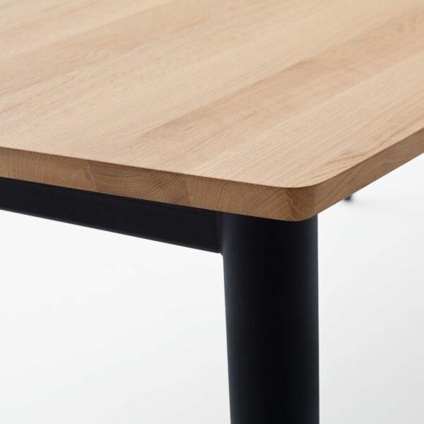 """Raum.Freunde """"Edvin"""" Tisch – Detail Ecke"""