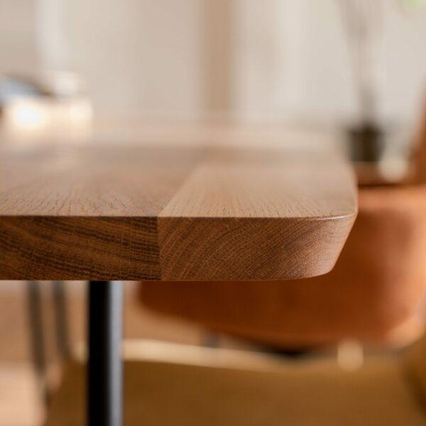 """Raum.Freunde """"Erik"""" Tisch oval – Detail Kante"""