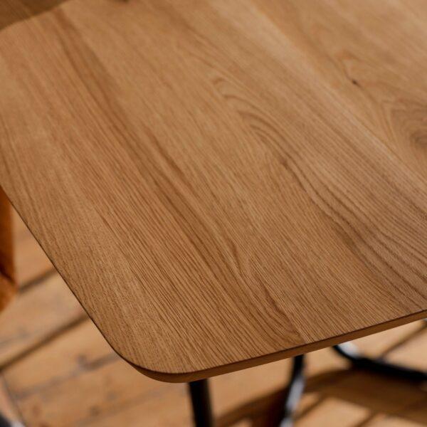 """Raum.Freunde """"Erik"""" Tisch oval – Detail Tischplatte"""
