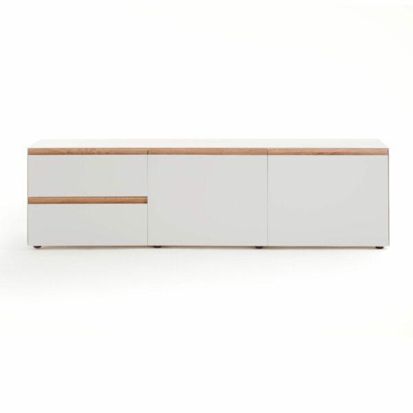 """Raumfreunde """"Göte"""" Lowboard in weiß matt lackiert mit zwei Schubladen und zwei Türen in frontaler Ansicht."""