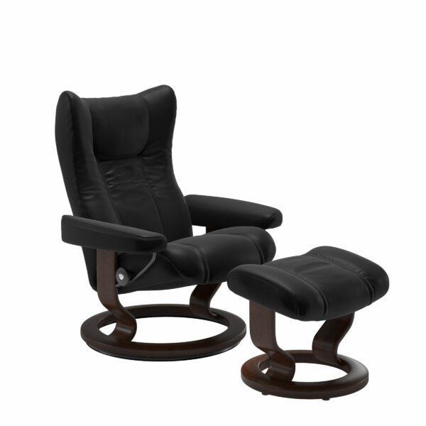 Stressless Wing Sessel Classic mit Hocker – Leder Batick Black und Untergestell Farbe Braun