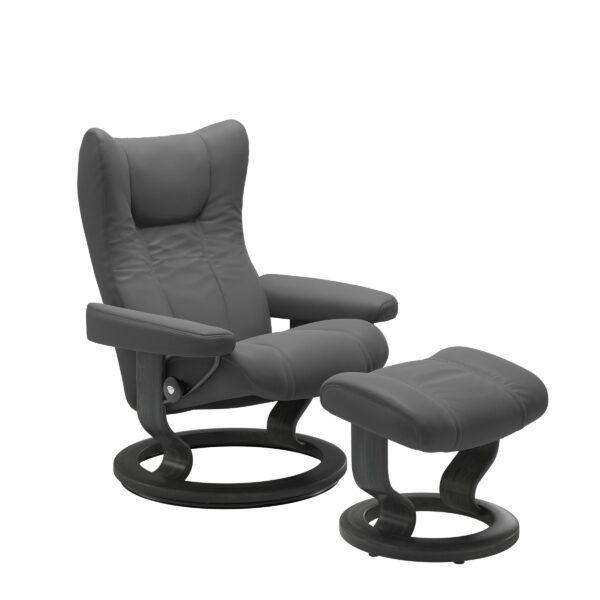 Stressless Wing Sessel Classic mit Hocker – Leder Batick Grey und Untergestell Farbe Grau
