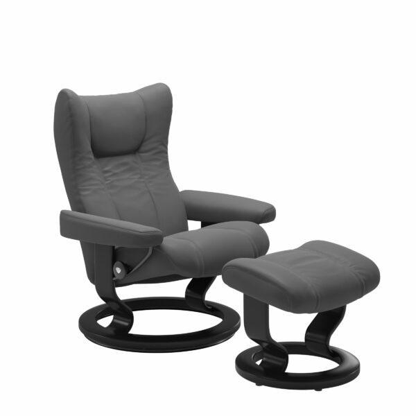 Stressless Wing Sessel Classic mit Hocker – Leder Batick Grey und Untergestell Farbe Schwarz