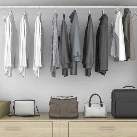 Kleideraufbewahrung mit Regalen, Stangen und mehr