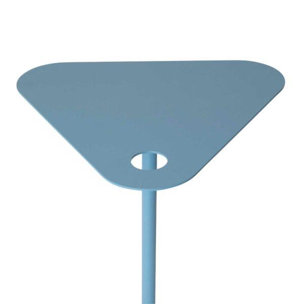 WK Wohnen 9301 Beistelltisch in der Farbe Pastellblau mit Detailansicht Tischplatte und Fuß
