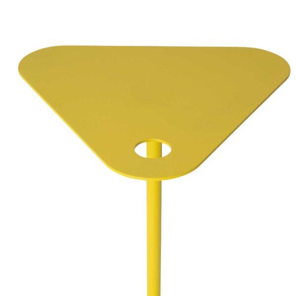 WK Wohnen 9301 Beistelltisch in der Farbe Zitronengelb mit Detailansicht Tischplatte und Fuß