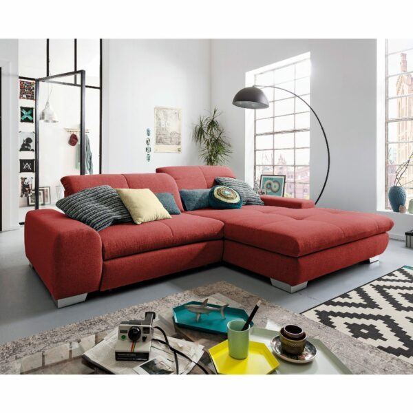 set one by Musterring Ecksofa SO 1200 in Flame Red – Wohnbeispiel