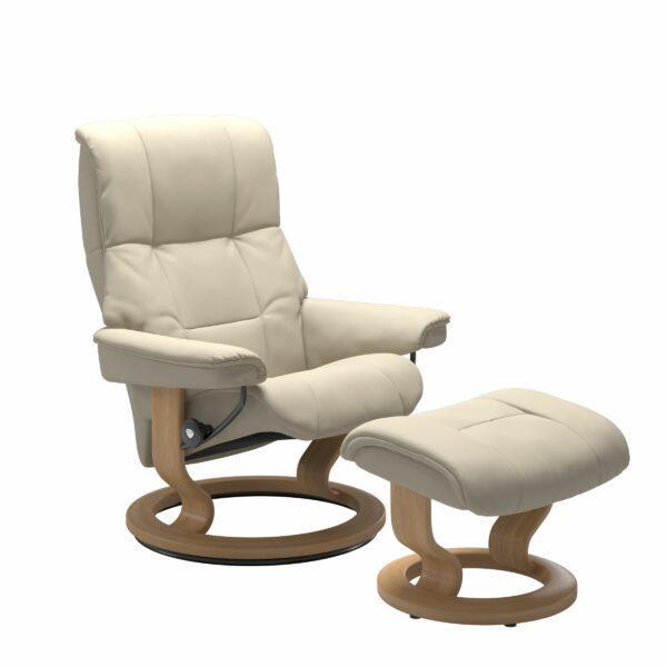 Stressless Mayfair Sessel mit Hocker – Bezug aus Leder Batick Cream mit Classic Untergestell in der Holzfarbe Eiche