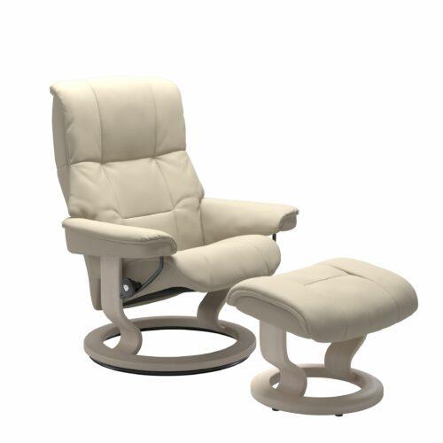 Stressless Mayfair Sessel mit Hocker – Bezug aus Leder Batick Cream mit Classic Untergestell in der Holzfarbe Whitewash
