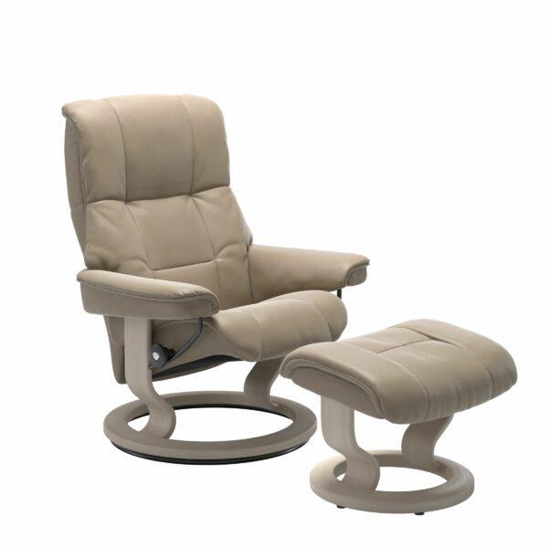 Stressless Mayfair Sessel mit Hocker – Bezug aus Leder Cori Fog mit Classic Untergestell in der Holzfarbe Whitewash
