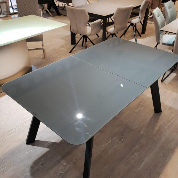 MCA furniture Maws Tisch
