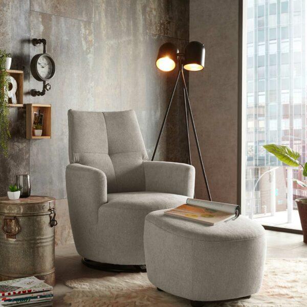 set one by Musterring Sessel mit Hocker SO 1450 in beige Wohnbeispiel
