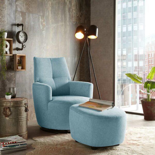 set one by Musterring Sessel mit Hocker SO 1450 in pastel blue Wohnbeispiel