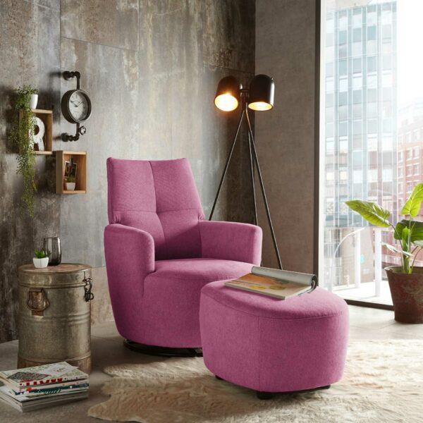 set one by Musterring Sessel mit Hocker SO 1450 in traffic purple Wohnbeispiel